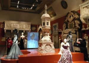 Выставка Юдашкина в Музее